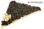 треугольный бутерброд с черной икрой