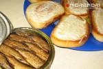 как готовить бутерброды со шпротами 04