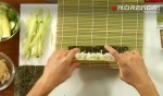 роллы с огурцом – заворачиваем коврик