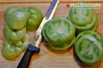 готовим помидоры для соуса