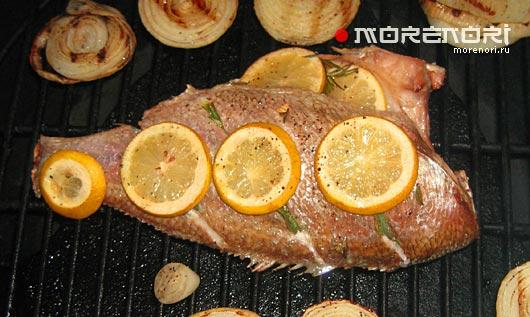 морская рыба на гриле