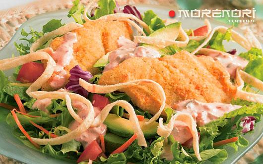 Салат с палтусом в кляре