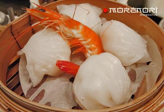 Клецки из рисовой муки с креветками