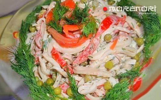 Простой и вкусный салат с кальмарами