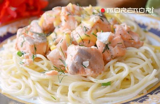 Семга в сливочно-чесночном соусе